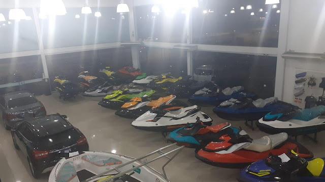 Secretaria da Fazenda de Pernambuco apreende jet skis e veículos de luxo em estabelecimento no Recife