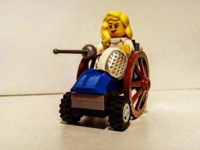 Η Κέλλυ Λουφάκη έγινε φιγούρα LEGO από μαθητή του Ναυπλίου - Τον μιμήθηκαν και στο Χαλάνδρι