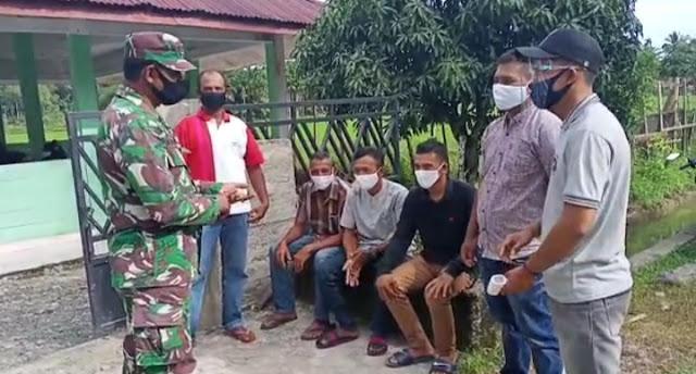 Babinsa Posramil 05/PC Berikan Kesadaran Masyarakat Tentang Protokol Kesehatan Di Wilayah
