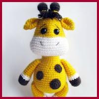 bebe jirafa a crochet