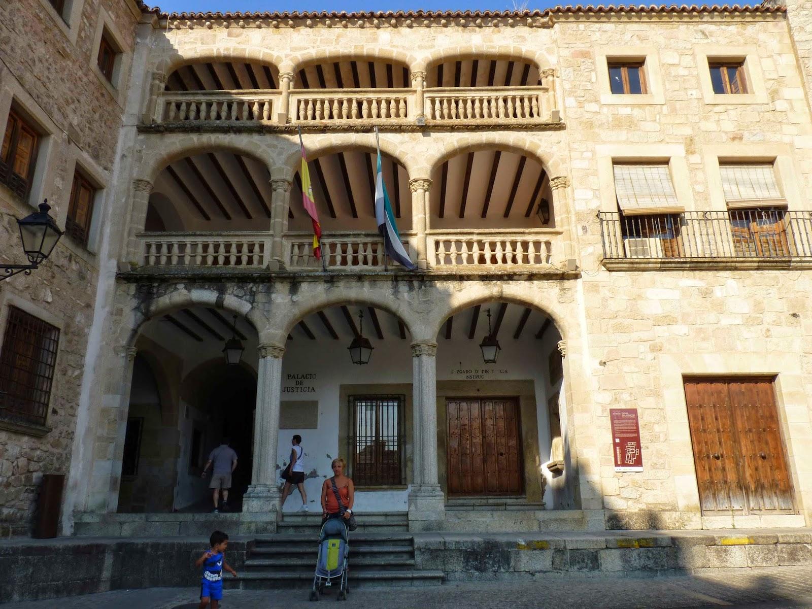 Plaza Mayor de Trujillo, Ayuntamiento Viejo.