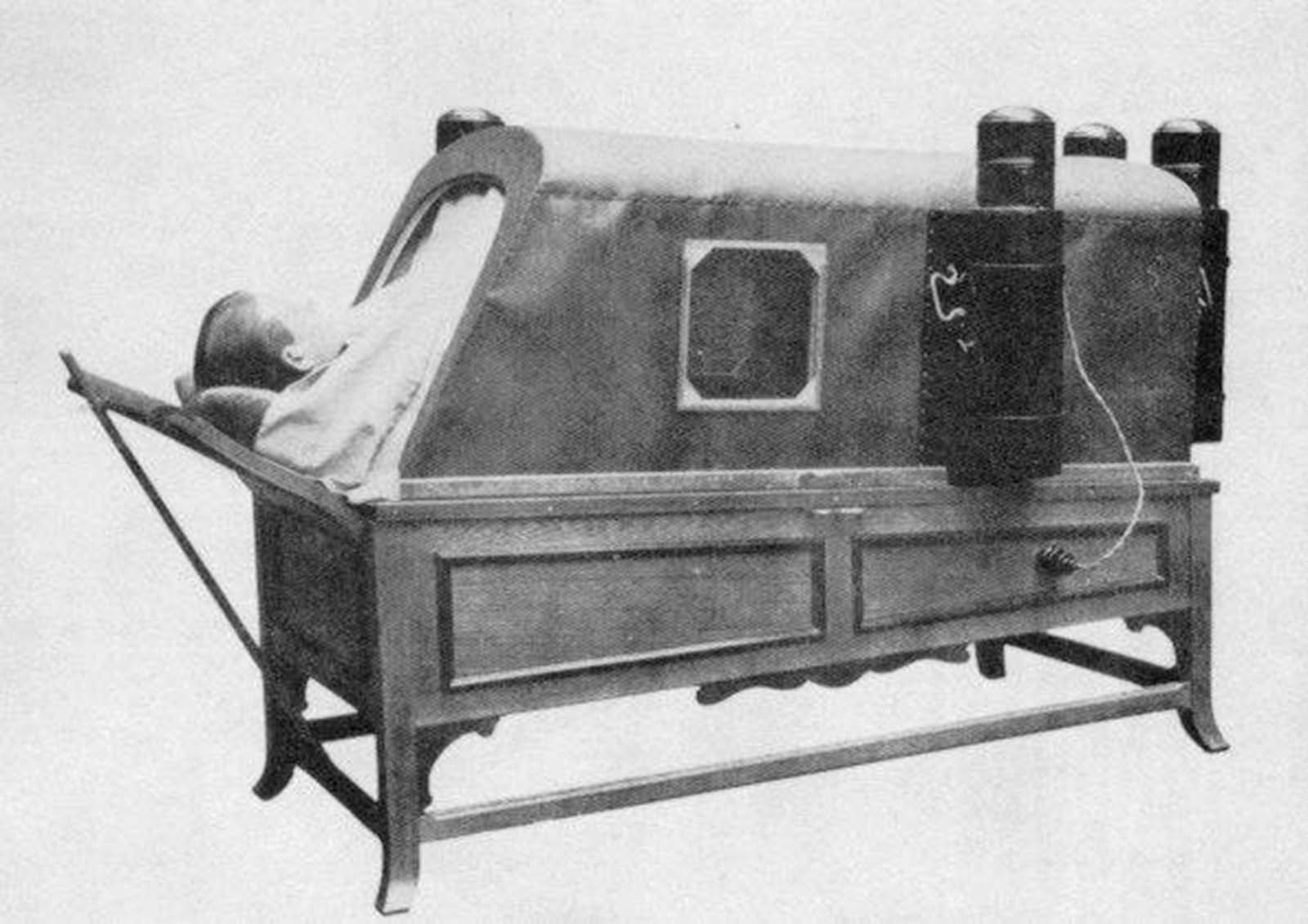 Electric Bath as used on The Titanic (1912).