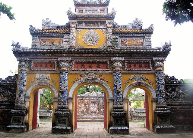 imperial gate hue vietnam