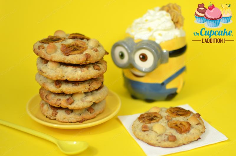 Cookies Esponjosos de Plátano y Nueces de Macadamia : ¡Unos Cookies para los Minions más platanívoros! Ultra esponjosos, con plátano, nueces de macadamia y fudge blandito. ¡BANANAAAAAA!