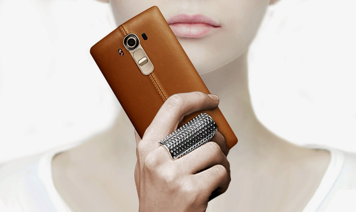 lg-g4-leather-back-girl-hand