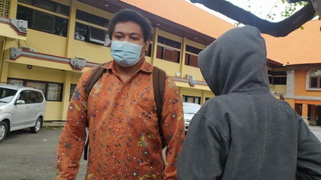Gerebek PSK di Kamar Kos, Oknum Polisi Setubuhi Korban setelah Pelanggannya Disuruh Pergi