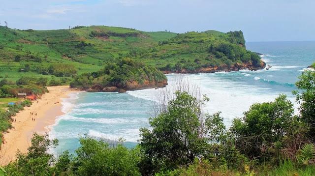 Gambar Pantai Tambakrejo Blitar