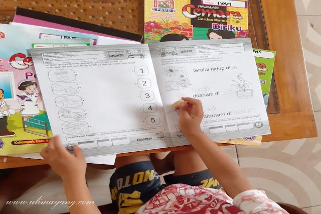 Lima-5-cara-langkah-mengajar-si-kecil-balita-empat-tahun-belajar-membaca-di-rumah