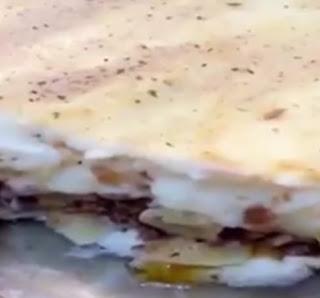 مكرونة بالصلصة البيضاء والجبن