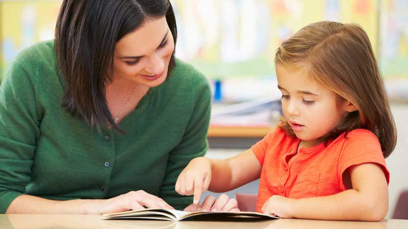 Cara Praktis Mengajari Anak Membaca dengan Tepat dan Cepat