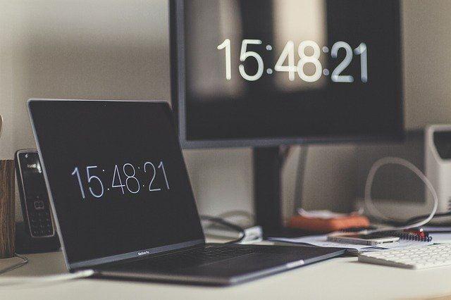 كيف تعرف أجهزة الكمبيوتر الوقت Time ؟