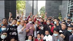 Barisan Mitra Peduli EDC Cash Bangkit se-Nusantara Mendukung Tim Kuasa Hukum EDC CASH