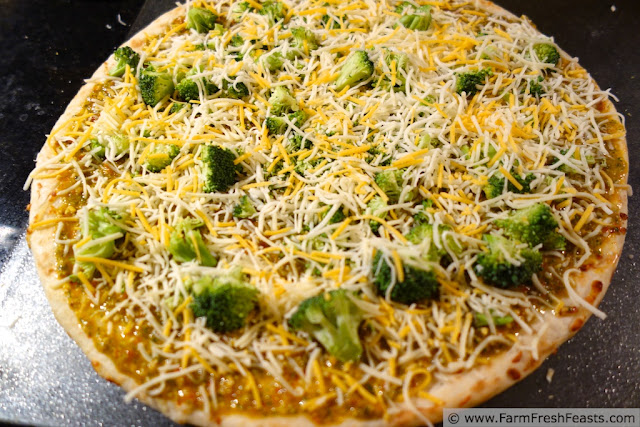 http://www.farmfreshfeasts.com/2013/02/broccoli-and-cheese-on-boboli-pizza.html