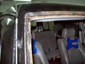 cermin kereta berkarat