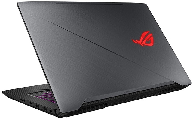 ASUS ROG STRIX SCAR GL703GM-E5016: panel Full HD de 17.3'' + procesador Core i7 + gráfica GeForce GTX 1060