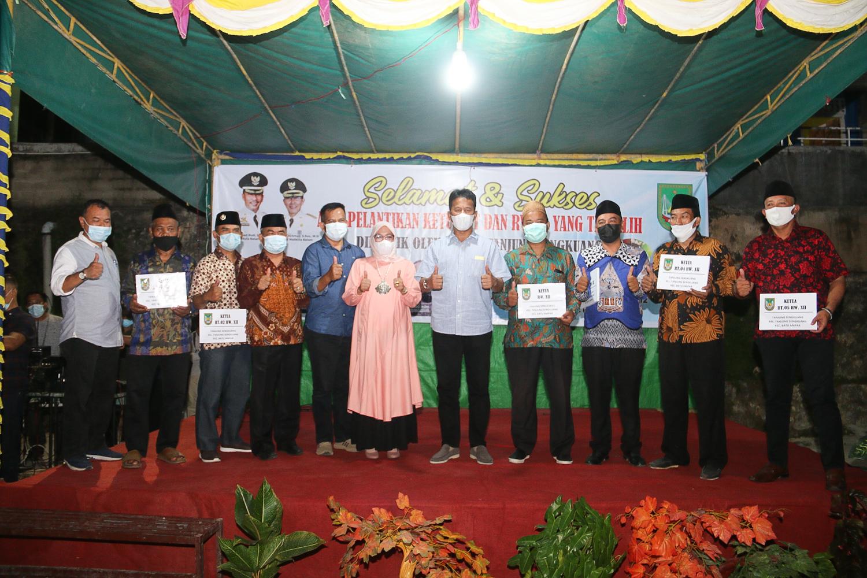 Hadiri Pelantikan Ketua RT dan RW 12 Kelurahan Tanjungsengkuang, Rudi Ajak Seluruh masyarakat Melawan Covid-19