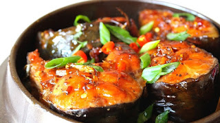 Vu Dai village boasts its traditional braised fish 1