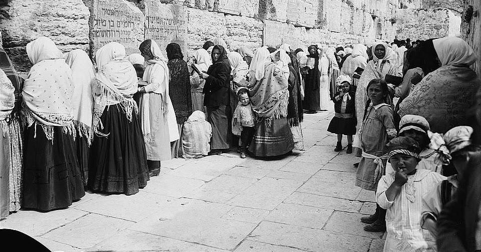 Jew Detector: Jewish Bubba: Terrorists In 1929 Jerusalem Against Jews