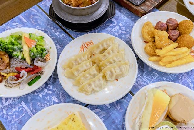 MG 3233 - 大象牛排吃到飽,超豐富沙拉吧任你吃,排餐表現普通,但是假日依然滿滿滿~