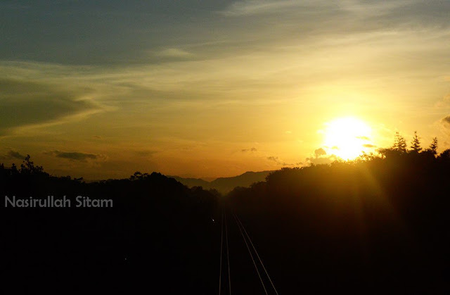 Sunrise dari atas Jembatan Layang Janti