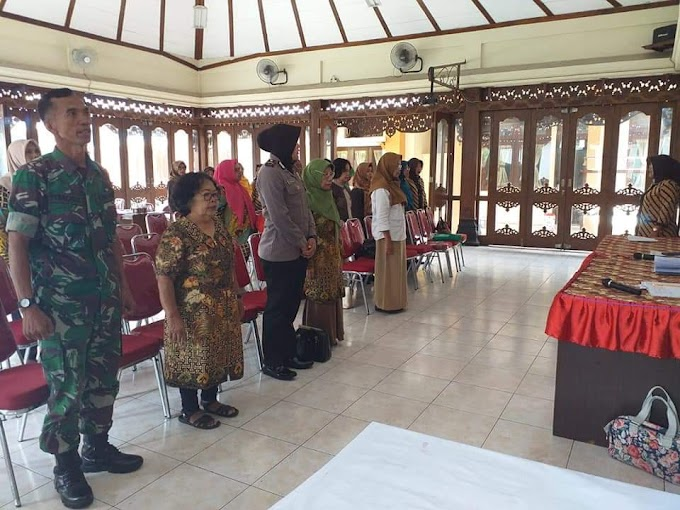 Serka Fitalis E. Hadiri Pertemuan FKPPKBD (Forum Komunikasi Petugas dan Pengelola Keluarga Berencana Desa)
