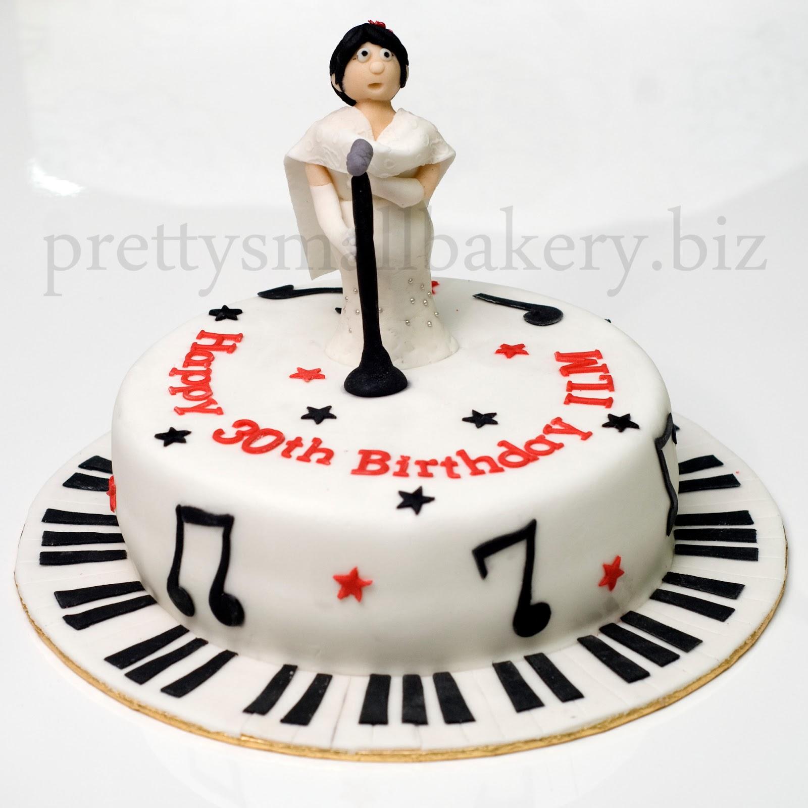 Kek Birthday Yang Unik She S An Artist Prettysmallbakery