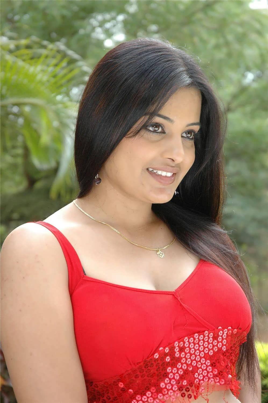 Slicypics Indian Actress Tamanna Bhatia Photos: High Quality: Roopa Kaur Spicy Hot Photos