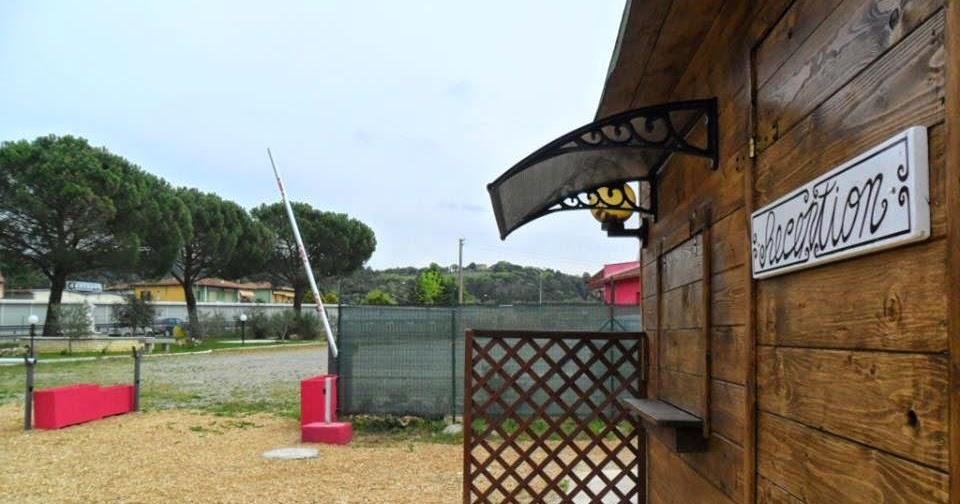 Area attrezzata sosta camper i pini a rapolano terme - Puzza dallo scarico bagno ...