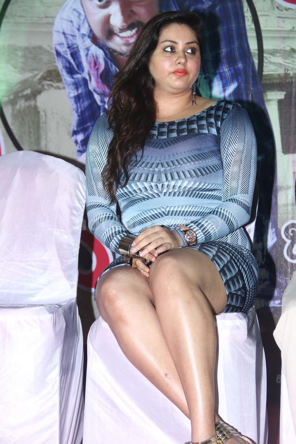 hot namitha stills: namitha hot photos