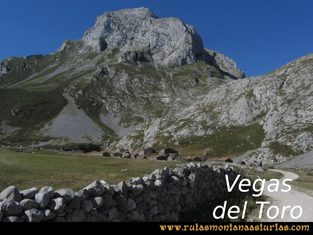Ruta Peña Castil y Cueva del Hielo: Vegas del Toro y Escamellau