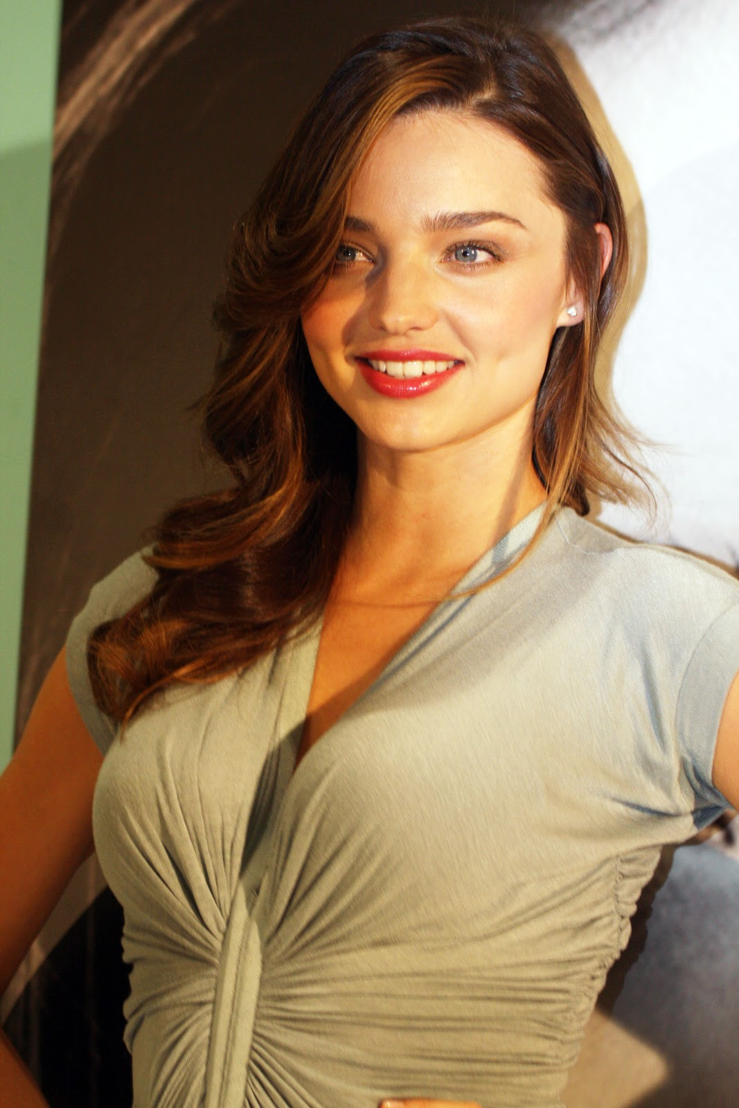 Australian Victoria's Secret model Miranda Kerr Full HD Photos & Wallpapers