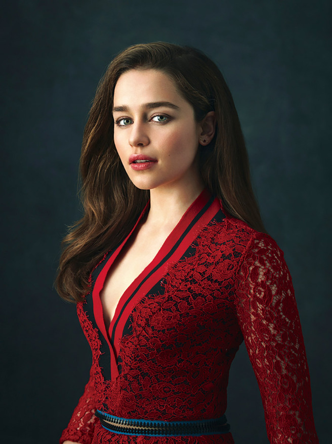 The wertzone daenerys signs up to meet han solo emilia clarke has been cast in the new star wars spin off movie about han solo m4hsunfo