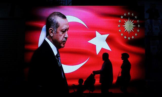Τα αδιέξοδα Ερντογάν και το τίμημα της διαφυγής