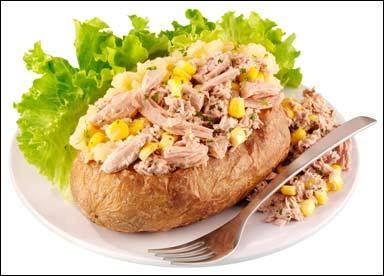 بطاطس بسمك التونة