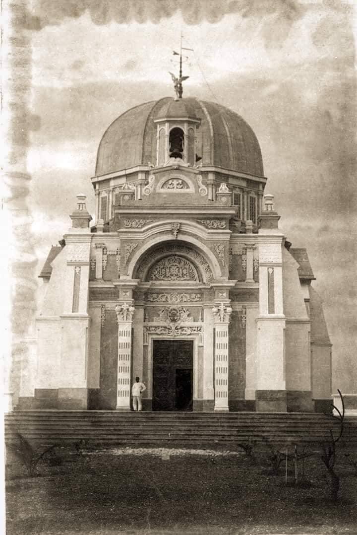 Mortuary Chapel of La Loma Cemetery
