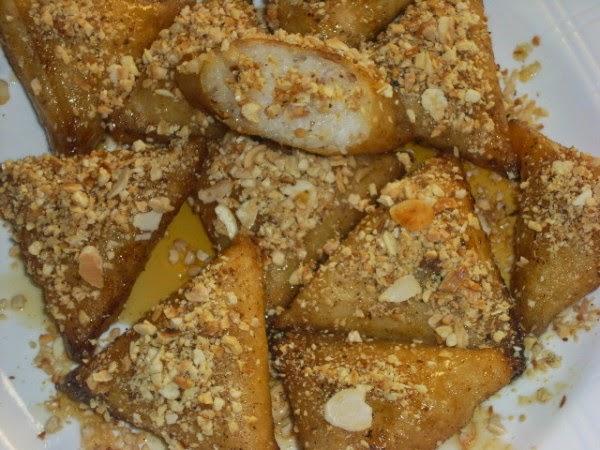 حلويات مغربية رمضانية بالعسل : بريوات بالأرز واللوز بالصور