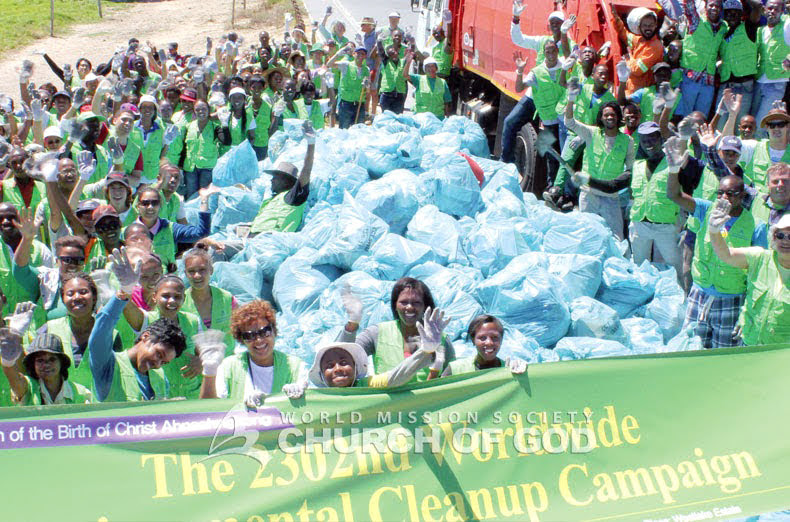 Limpeza ambiental em torno de Westlake Estate na Cidade do Cabo, Rep. da África do Sul