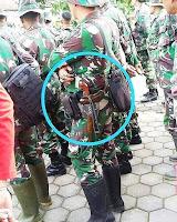 Tentara bersenjatakan Keris