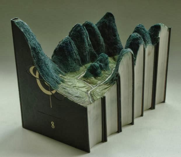 13 Esculturas hechas con libros
