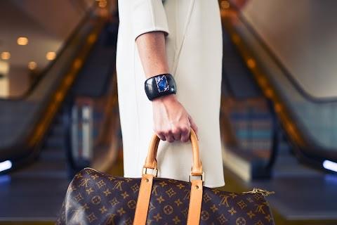 穿著奢華品牌,會讓你求職時顯得更加適任