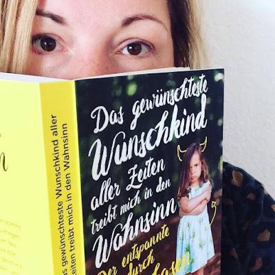 Ann-Barbet liest unser Buch