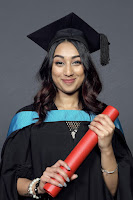 My (and 7 Other Bloggers') Graduation Experience. What graduation is really like, what to expect, and the best parts of the day