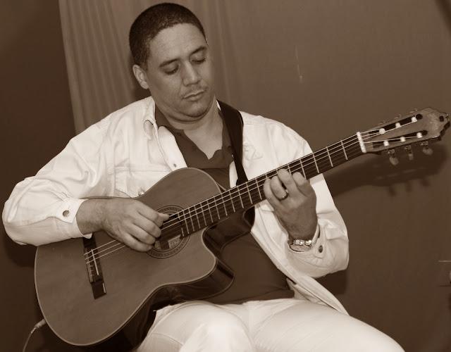 Negros e Alvos - música, dança e artes visuais BI