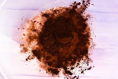 Creme Egg Overnight Oats - Step 3 cocoa powder