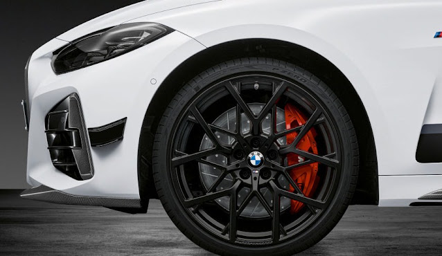 2021-m440i-front-wheel-red-caliper