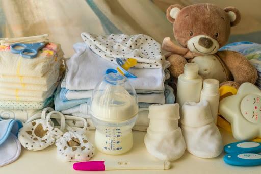 5 Peralatan Bayi Baru Lahir Untuk Berpergian -travelyuka.com