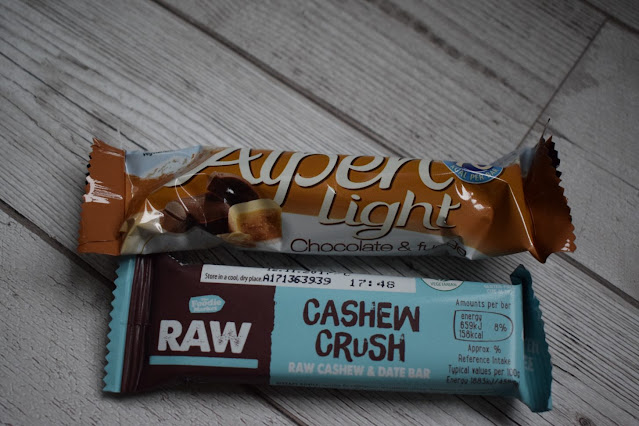What's inside my bag snacks