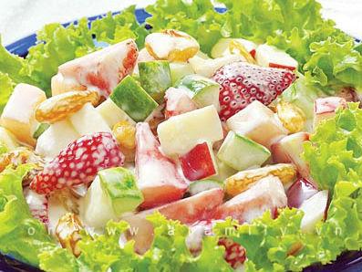 Saldad rau củ trái cây trộn.