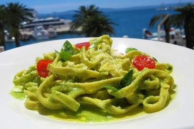 Pesto od tikvica -  ručak za 10 minuta / Zucchini pesto - under 10 minutes lunch