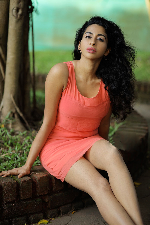 Actress Gayatri Iyer Photoshoot